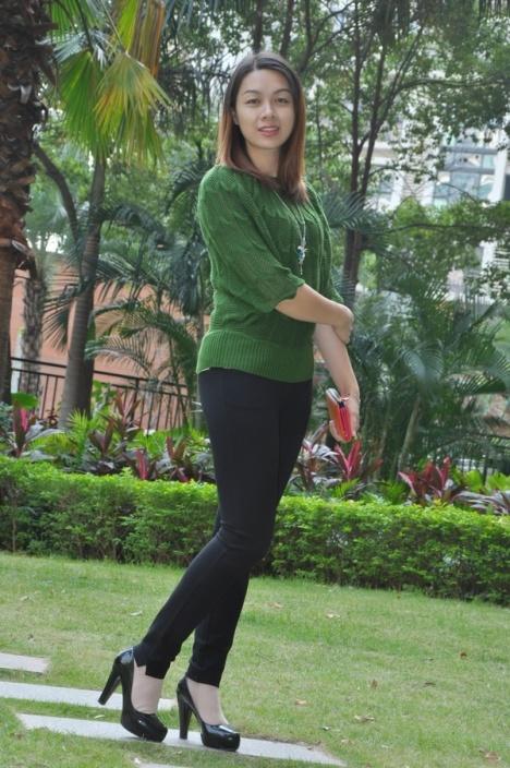 外拍紧身裤美女 - 源源 - djun.007 的博客